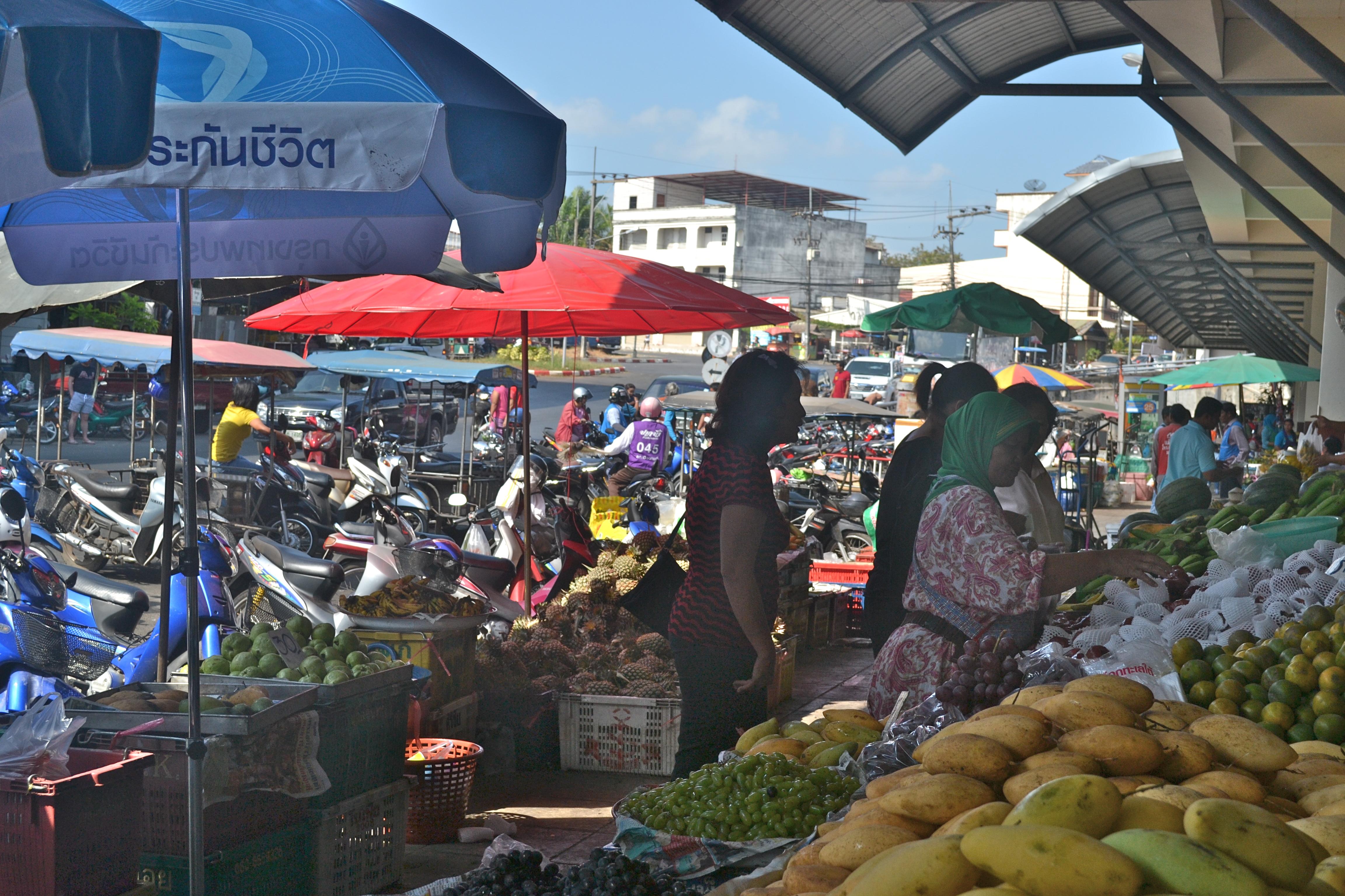 Thai morning market